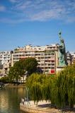 自由女神像在巴黎 免版税库存照片