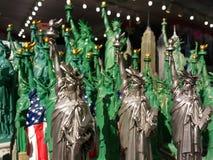 自由女神像纪念品, NYC, NY,美国 免版税图库摄影