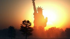 自由女神象在日出的 皇族释放例证