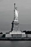 自由女神象纽约港口 库存图片