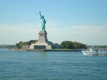 自由岛,纽约港口 免版税库存照片