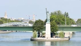 自由巴黎雕象 影视素材