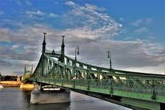 自由桥梁在从旅行家的日志的布达佩斯 免版税库存照片