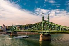 自由桥梁在布达佩斯 免版税图库摄影
