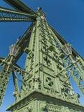 自由桥梁细节在布达佩斯 免版税库存图片