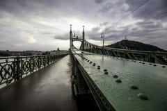 自由桥梁 库存照片