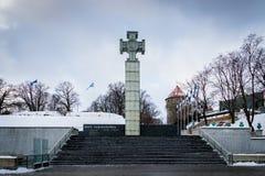 自由正方形在冬天,老镇在塔林,爱沙尼亚 库存照片