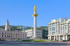 自由正方形在有自由纪念碑的,乔治亚第比利斯 图库摄影