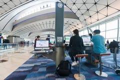 自由的网络服务在香港国际机场 库存照片