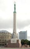 自由纪念碑在里加 免版税库存图片