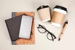 自由职业者、作家或者年轻商人的材料 库存照片