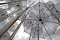 自由超现实的飞行伞 免版税库存照片