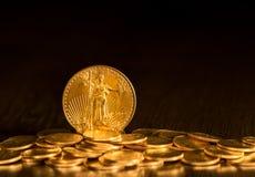 自由金老鹰一枚盎司硬币 库存照片