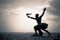 自由雕象(自由雕象)的旁边雕象布达佩斯,匈牙利 库存照片