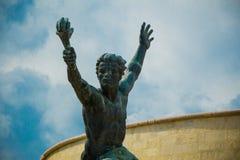 自由雕象(自由雕象)的旁边雕象布达佩斯,匈牙利 免版税库存照片
