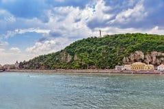 自由雕象Gellert小山在布达佩斯 免版税库存照片