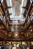 自由,豪华百货商店内部在伦敦 库存图片