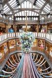 自由,豪华百货商店内部在伦敦 免版税库存照片