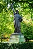 自由巴黎雕象 免版税库存照片