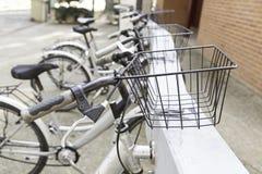 自行车中止在镇里 免版税图库摄影