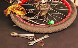 自行车修理。 库存照片