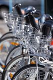自行车停放的城市聘用 库存照片