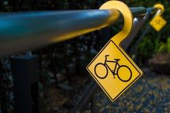 自行车停车处标志 图库摄影