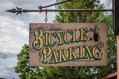 自行车停车处标志 免版税库存照片