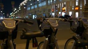 自行车停车处,在路旁边 股票视频