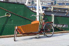 自行车典型承运人的荷兰语 免版税库存图片