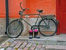 自行车军人 库存图片