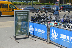 自行车出租节目在曼哈顿 图库摄影