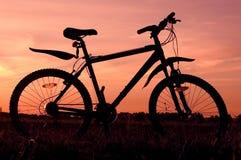 自行车剪影 库存图片