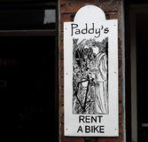 自行车商店的标志幽谷的爱尔兰 库存图片