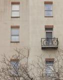 自行车在壁架 免版税库存照片