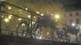 自行车在晚上 影视素材