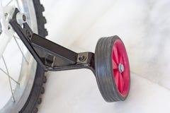 自行车培训轮子 库存照片