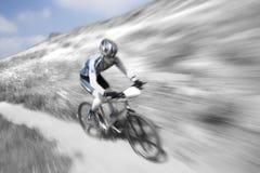 自行车山竟赛者 库存照片