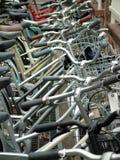 自行车批次停车 免版税库存图片