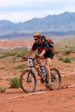 自行车沙漠山种族 图库摄影