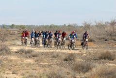 自行车沙漠种族路 图库摄影