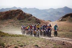 自行车沙漠马拉松山 免版税库存照片