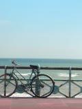 自行车海运夏天 免版税库存照片