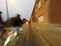 自行车游览在早晨 免版税图库摄影