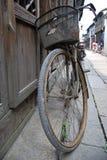 自行车瓷葡萄酒 免版税库存照片