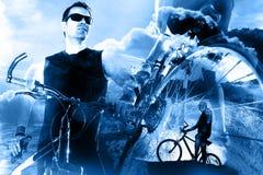 自行车生活方式和冒险 Duble曝光体育背景 图库摄影