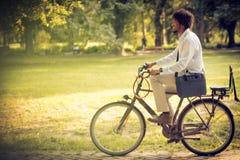 自行车的商人 免版税库存图片