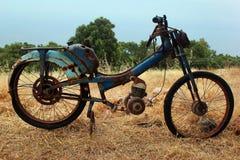 自行车的生锈的遗骸 免版税库存图片