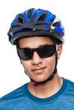 自行车盔甲的少年 免版税库存照片