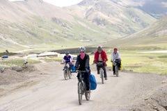 自行车绊倒的西藏 库存图片